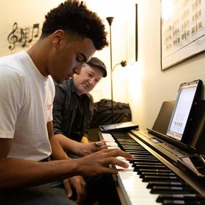 Piano Lesson 2 800x