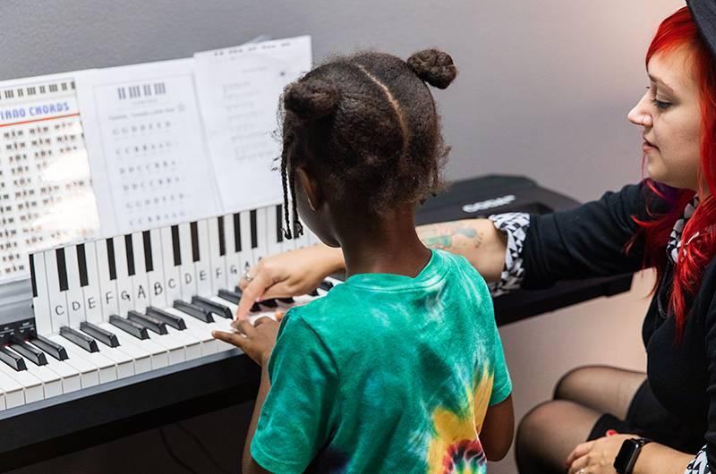 Piano Lesson 4 800x