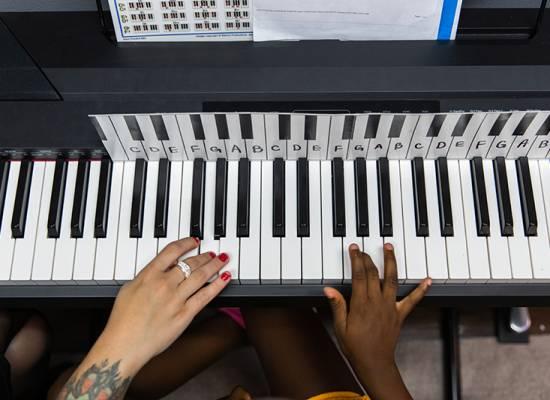 Piano Lesson 5 800x